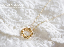 petit snow wreath *** necklace
